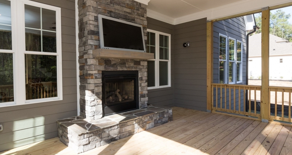 Broadleaf screened porch outdoor living
