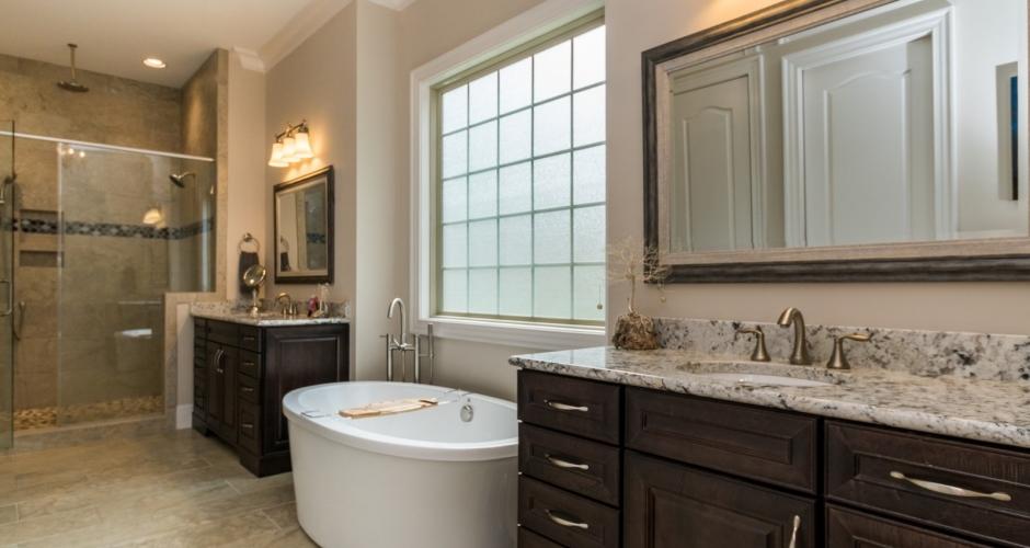 ICG custom home master bath