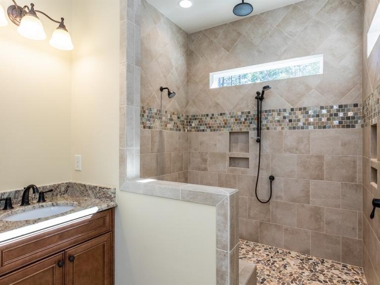 024_-First-Floor-Master-Bathroom