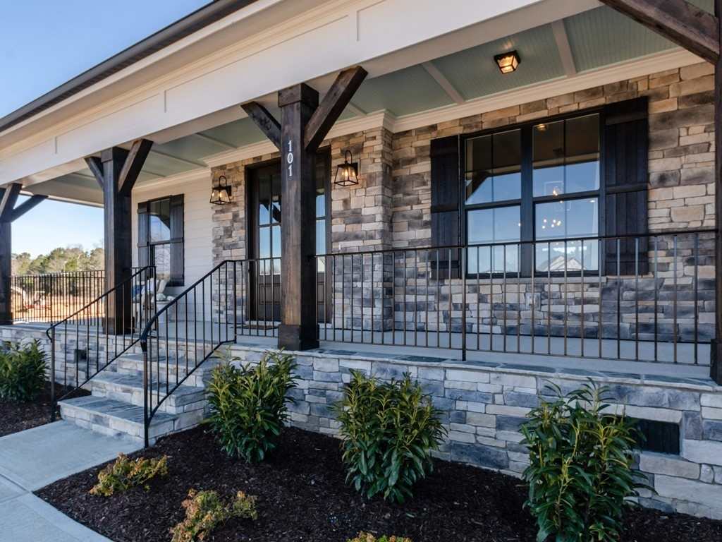 001_Front Entry