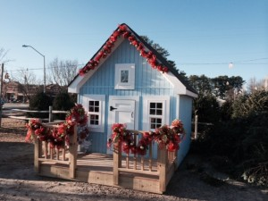 boy playhouse Christmas