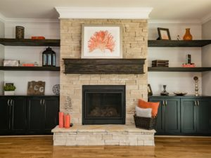 007_family-room-fireplace